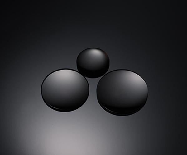 Ba thấu kính tán xạ siêu thấp ( Superb ED)