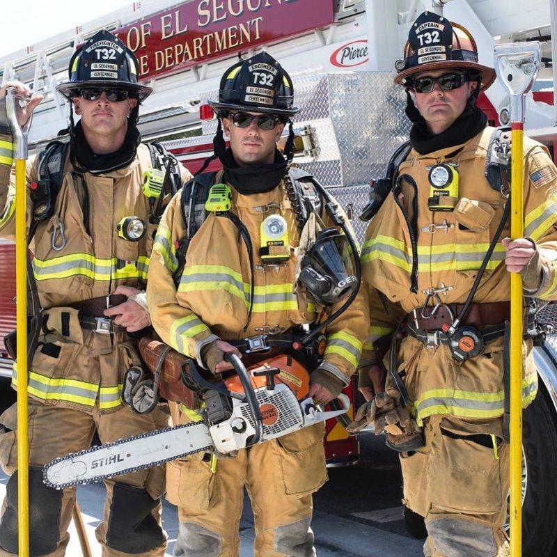 Đèn pin chuyên dụng Pelican 3715 Right Angle Light trang bị cho lính cứu hỏa